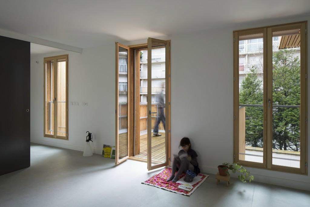 """Das Gebäude """"Tête en l'air"""" in Paris"""