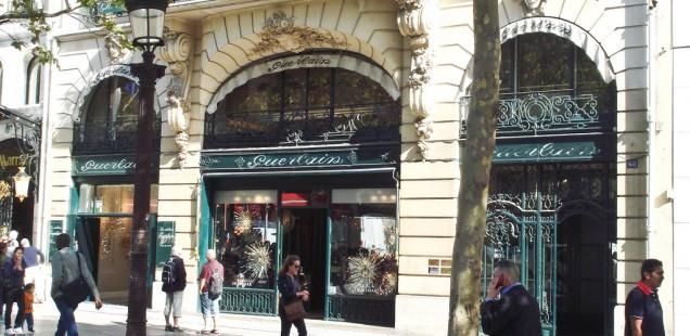 Der Showroom Guerlain auf der Champs Elysées in Paris