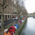 Zelte am Canal St Martin in Paris
