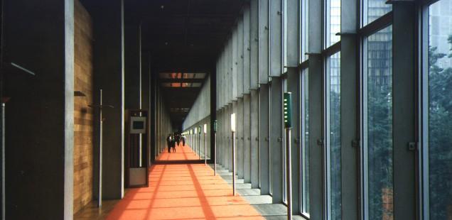 Die Bibliothèque nationale de France (BnF) von Dominique Perrault in Paris, Frankreich